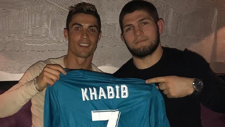 Криштиану Роналду (слева) иХабиб Нурмагомедов. Фото Instagram