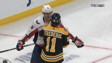 Александр Овечкин едва неподрался сигроком «Бостона» Фредериком.