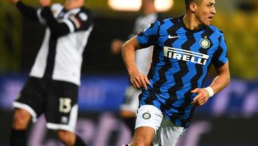 «Интер» обыграл «Парму» иувеличил отрыв от «Милана» дошести очков
