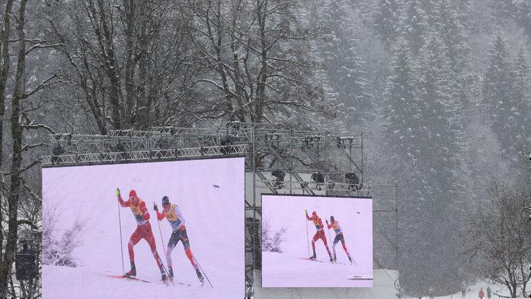 5марта. Оберстдорф. Борьба Александра Большунова иЙоханнеса Клебо начетвертом этапе. Фото Reuters