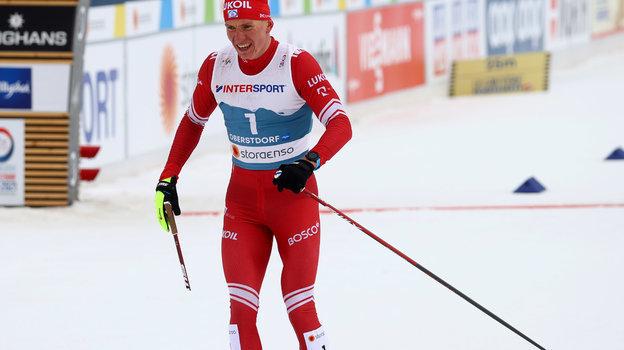 Александр Большунов на финише. Фото Reuters