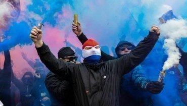 Болельщики «Рейнджерс» потроллили фанатов «Селтика» ивышли праздновать чемпионство наулицы
