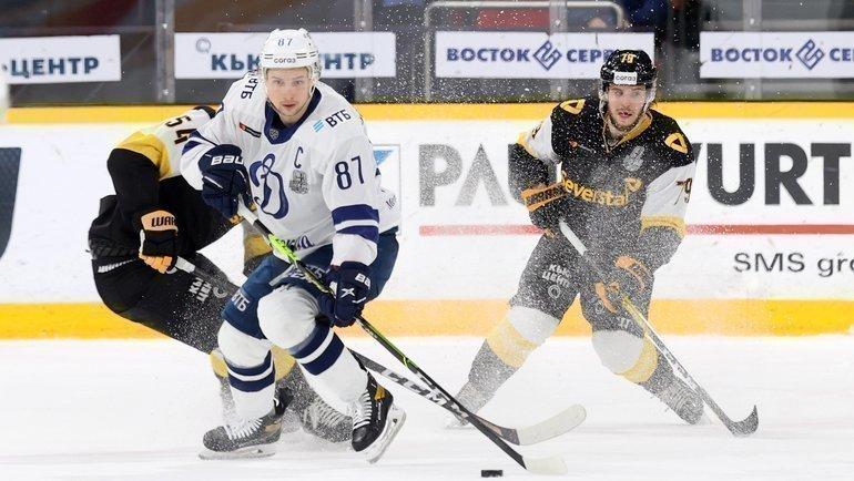 Динамо москва хоккейный клуб смотреть онлайн мужчина изнасиловал девушку в клубе