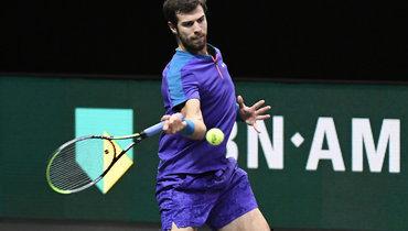 Хачанов проиграл 287-й ракетке мира вчетвертьфинале турнира вМарселе