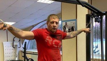 Александр Емельяненко рассказал, как проходят сборы перед боем сДжиганом