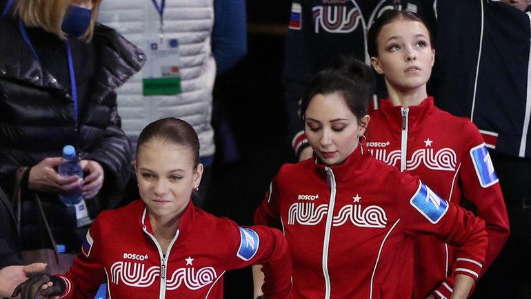 Александра Трусова, Елизавета Туктамышева, Анна Щербакова. Фото Дарья Исаева, «СЭ» / Canon EOS-1D X Mark II