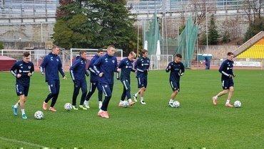 Сборная России начала первую тренировку в2021 году
