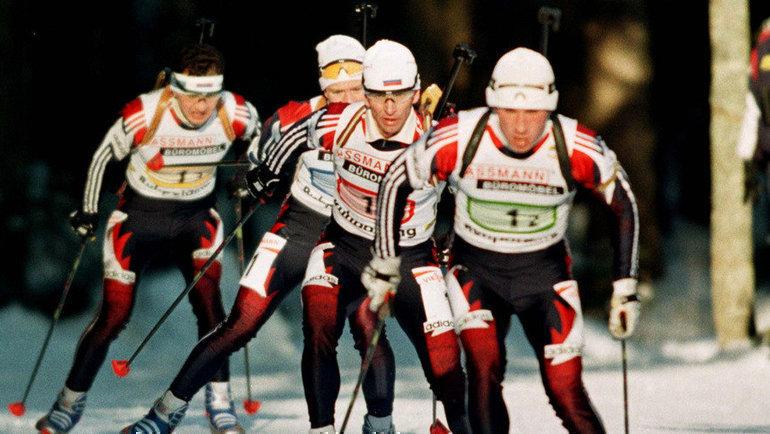 1996 год. Рупольдинг (Германия). Эдуард Рябов (слева), Сергей Рожков (2-й слева), Сергей Тарасов (2-й справа) иПавел Муслимов. Фото Reuters