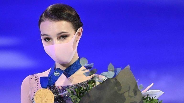 Щербакова— впервые чемпионка мира. Трусова пошла ва-банк, иКихира подарила еймедаль