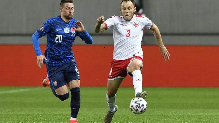 Словакия— Мальта. Роберт Мак (слева) против Райана Камензули. Фото Reuters