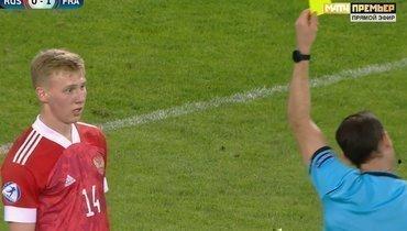 Маслов— один изсамых прогрессирующих футболистов РПЛ. Ошибки намолодежномЧЕ ничего незначат