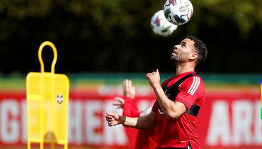 Трех футболистов сборной Уэльса отстранили от игр из-за нарушения комендантского часа