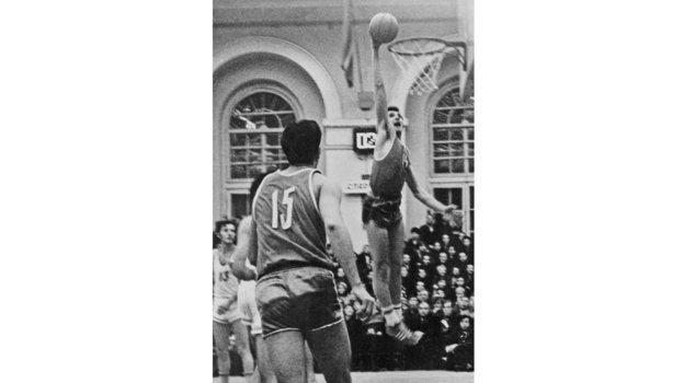 Уголовка, суды, дисквалификации, страшная болезнь. Трагическая история легенды советского баскетбола Александра Белова