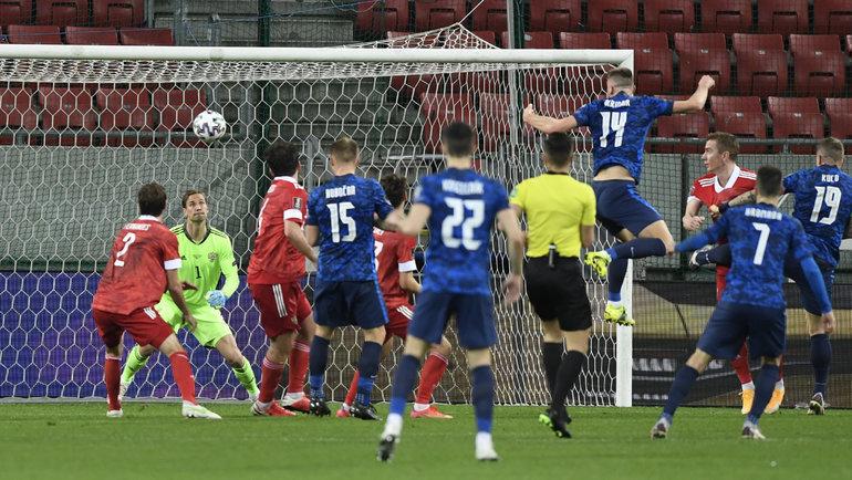 30марта. Трнава. Словакия— Россия— 2:1. Милан Шкриньяр забивает гол вворота россиян. Фото Reuters