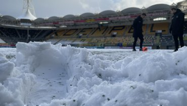 Матч чемпионата Голландии прерван из-за снегопада