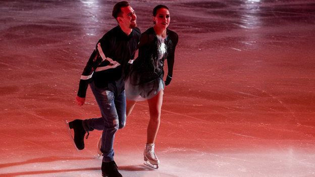 Даниил Глейхенгауз и Алина Загитова на шоу Этери Тутберидзе в Москве. Фото Дарья Исаева, «СЭ» / Canon EOS-1D X Mark II