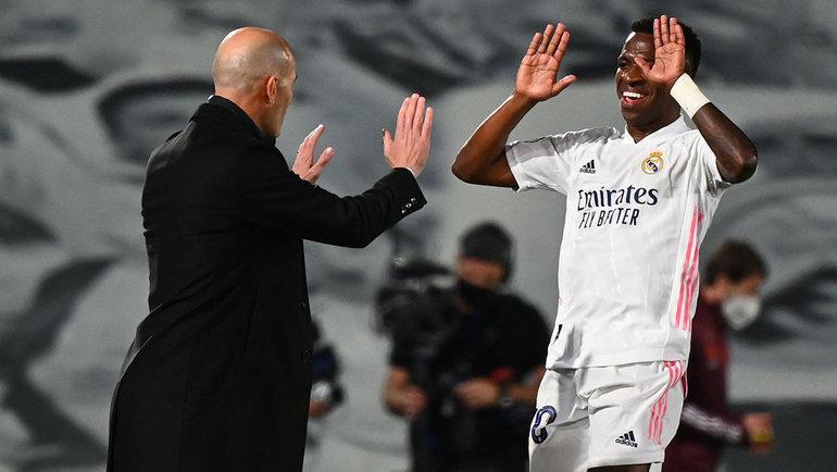 6апреля. Мадрид. «Реал»— «Ливерпуль»— 3:1. Винисиус Жуниор иЗинедин Зидан.