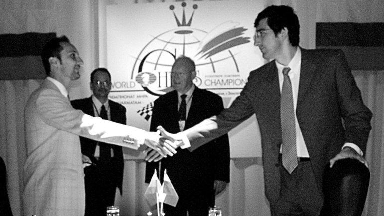 2октября 2006 года. Элиста. Веселин Топалов против Владимира Крамника. Фото Евгений Атаров, -