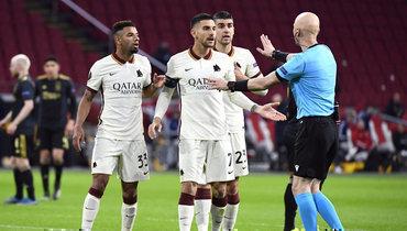 8апреля. Амстердам «Аякс»— «Рома»— 1:2. Сергей Карасев (справа).