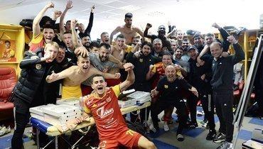 «Арсенал» показал фото израздевалки после победы над «Краснодаром»