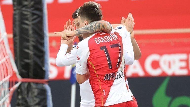 Головин сыграл надвух позициях иподготовил два гола. «Монако» по-прежнему вгонке затитулом