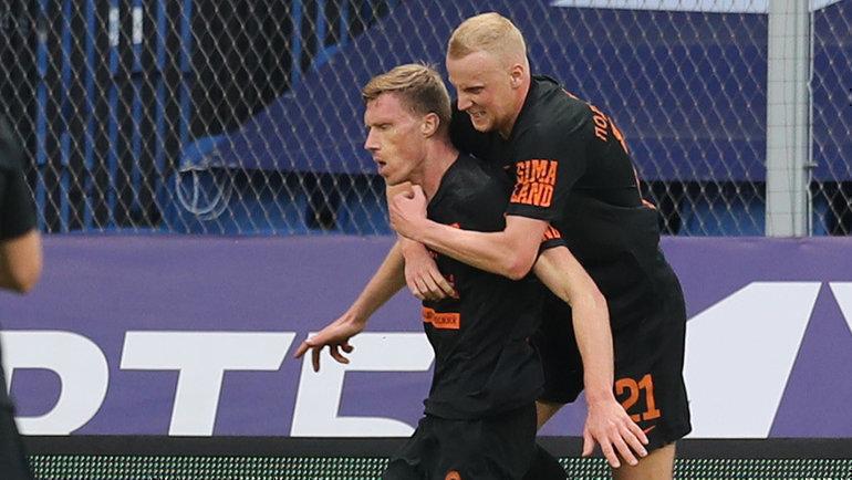 "Павел Погребняк (слева) празднует гол в ворота ""Динамо"". Фото РФС"