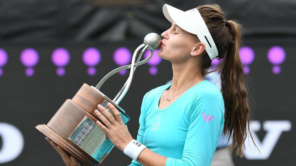 Первая ракетка России Вероника Кудерметова— обигре сКарацевым, Касаткиной итеннисе впандемию