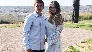 Молодой игрок ЦСКА Обляков женился. Его избранница— пример естественной красоты