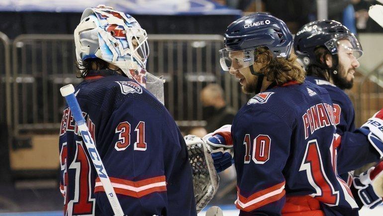 Артемий Панарин (справа). Фото USA Today Sports