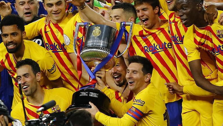 «Барса» уничтожила «Атлетик» вфинале Кубка Испании. АМесси отомстил заудаление