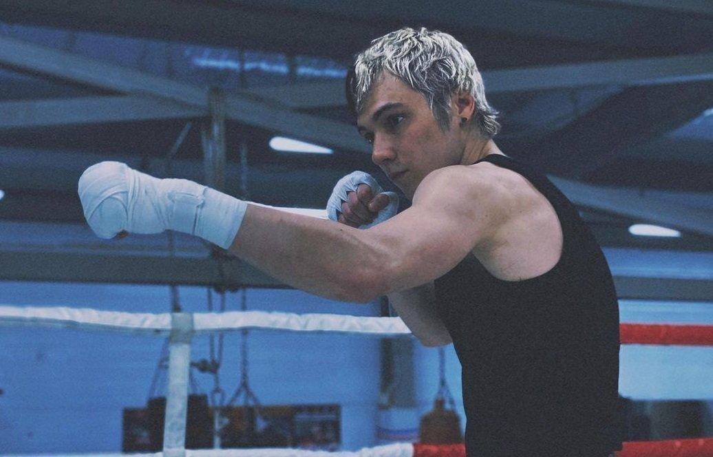 Скандал вкулачных боях: фанаты разгневаны судейством вбою Анубиса