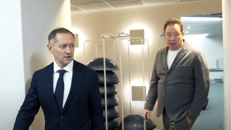 Рустем Сайманов (слева) иЛеонид Слуцкий. Фото ФК «Рубин»