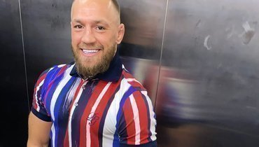 Боец UFC Конор Макгрегор заявил ожелании приобрести «Манчестер Юнайтед»