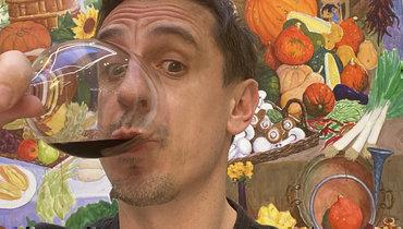 Гари Невилл сбокалом красного вина потроллил Суперлигу