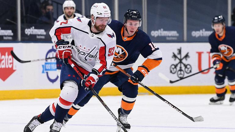 Евгений Кузнецов (слева). Фото USA Today Sports