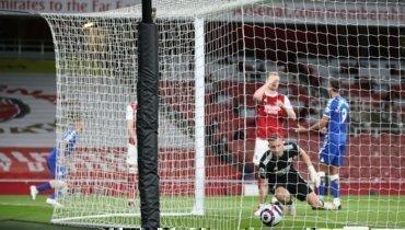 Автогол Лено принес «Эвертону» победу над «Арсеналом»