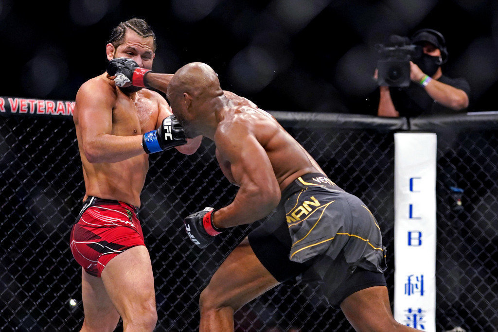 Камару Усман— лучший боец UFC. Онснес Масвидаля ипревзошел достижение Хабиба