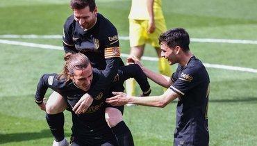 Гризманн сделал «Барселону» теневым лидером. ВШотландии вратарь пошел ватаку ишокировал Джеррарда