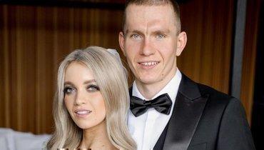 Лыжник Большунов показал свадебное фото сЖеребятьевой: «Семья»