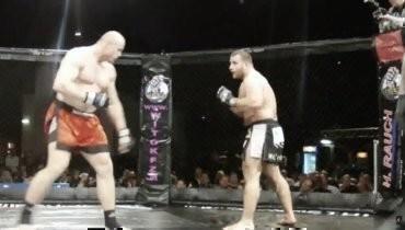 Чемпион UFC три года подряд елтолько в «Макдоналдсе», а18кг мяса ему хватало чуть больше чем намесяц