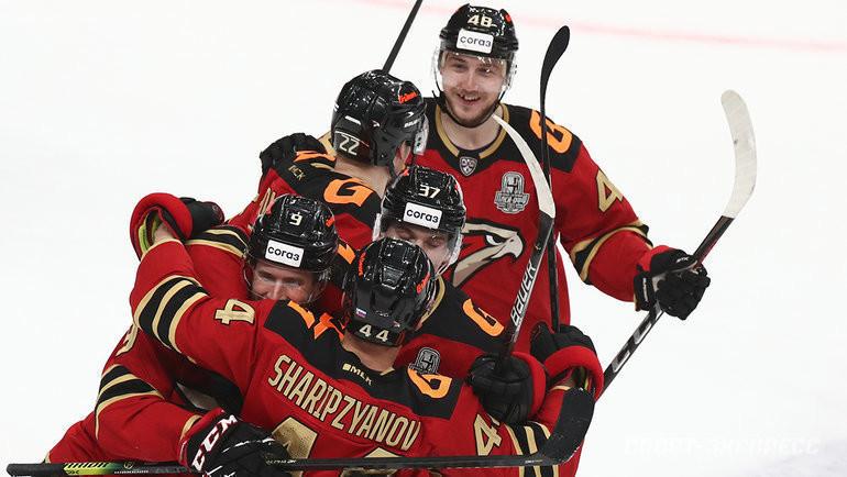 Что ждет хоккеистов «Авангарда» вбудущем? Фото Дарья Исаева, «СЭ» / Canon EOS-1D X Mark II