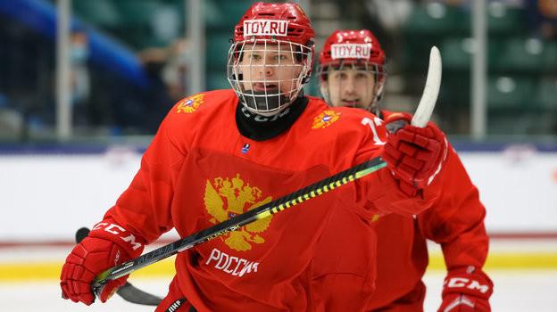Матвей Мичков стал лучшим снайпером ибомбардиром группового турнира ЮЧМ-2021. Фото IIHF