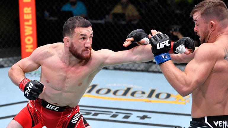 Мераб Двалишвили победил американца Коди Стаманна впоединке натурнире UFC Vegas 25. Фото MMA Junkie