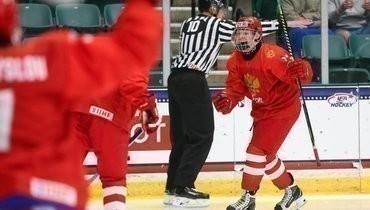 Мичков стал третьим российским хоккеистом сдвумя хет-триками наодном ЮЧМ. Донего это удалось Овечкину иКовальчуку