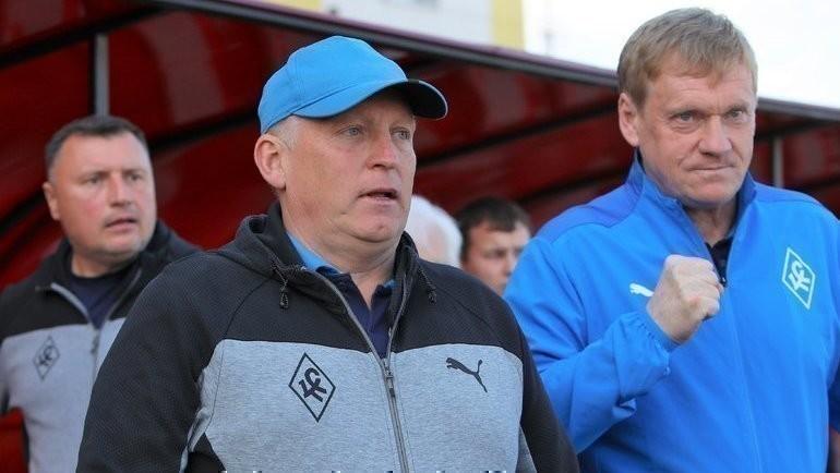 Игорь Осинькин (слева). Фото ФК «Крылья Советов», twitter.com/fckssamara/