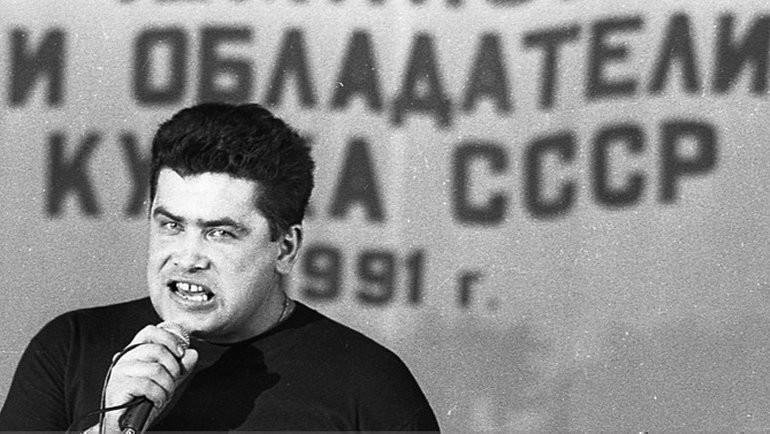 25декабря 1991 года. Москва. Солист группы «Любэ» Николай Растаргуев.