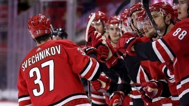 5мая. «Каролина»— «Чикаго»— 6:3. Андрей Свечников празднует гол. Фото Twitter