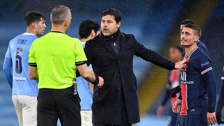 4 мая. Манчестер. «Манчестер Сити» — «ПСЖ» — 2:0. Марко Верратти (справа) конфликтует с арбитром. Фото AFP