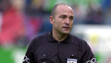 Бывший арбитр ФИФА рассказал, как ему пытались дать взятку перед матчем киевского «Динамо»