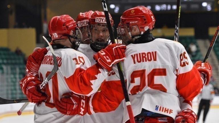 6мая. Фриско. Финляндия U-18— Россия U-18— 5:6. Хоккеисты юниорской сборной России. Фото ИИХФ